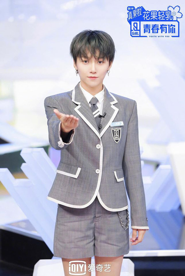 Tomboy hot nhất Thanh Xuân Có Bạn bùng nổ Weibo vì để tóc dài nhưng bị netizen tới tấp chê không hợp - Ảnh 5.
