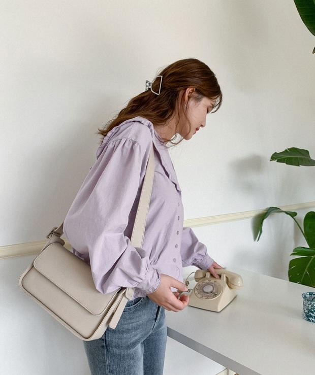 Hè này không cần điên cuồng sắm nhiều túi xách, chị em cứ đầu tư vào đúng 3 mẫu túi này là mặc đẹp trong mọi hoàn cảnh - Ảnh 10.