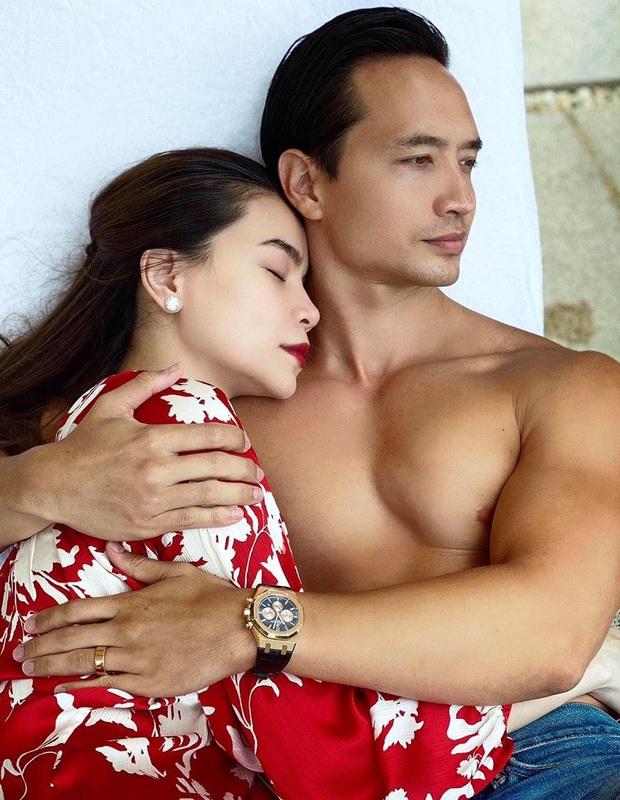Hà Hồ - Kim Lý cùng đeo nhẫn ngón áp út, có khi nào đám cưới sắp diễn ra? - Ảnh 2.