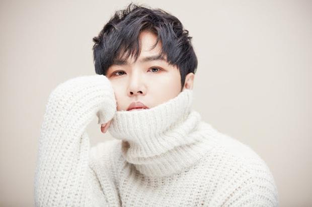 """Sao Hàn kết hôn với mối tình đầu: Tài tử """"Thử thách thần chết"""" chung thuỷ với tình 13 năm, chuyện tình Taeyang với minh tinh hiếm có - Ảnh 13."""