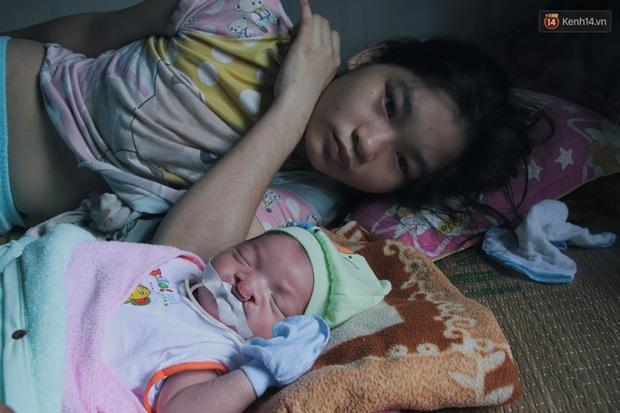 Xót cảnh bé trai 3 tháng tuổi không biết mặt bố, vừa chào đời đã mắc bệnh tim, hở hàm ếch sống bên người mẹ khù khờ - Ảnh 11.