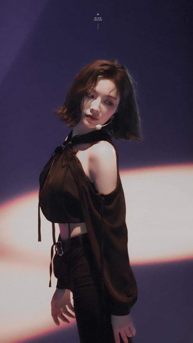 Nữ thần tóc ngắn Hứa Giai Kỳ tiếp tục gây sốt với loạt ảnh xinh đẹp đỉnh cao trên sân khấu kết hợp với Thái Từ Khôn - Ảnh 4.