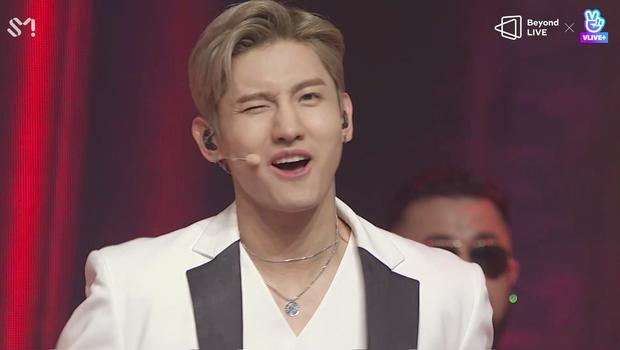 TVXQ! nói Xin chào fan Việt, biểu diễn cực sung tại concert online với loạt sân khấu đã mắt; được hậu bối NCT Dream giao nhiệm vụ đầy ý nghĩa - Ảnh 3.