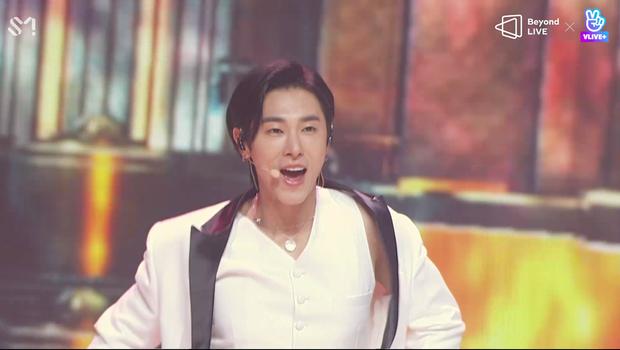TVXQ! nói Xin chào fan Việt, biểu diễn cực sung tại concert online với loạt sân khấu đã mắt; được hậu bối NCT Dream giao nhiệm vụ đầy ý nghĩa - Ảnh 4.