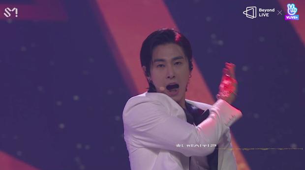 TVXQ! nói Xin chào fan Việt, biểu diễn cực sung tại concert online với loạt sân khấu đã mắt; được hậu bối NCT Dream giao nhiệm vụ đầy ý nghĩa - Ảnh 7.