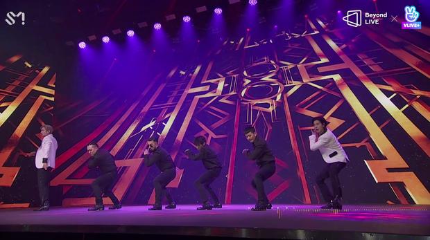 TVXQ! nói Xin chào fan Việt, biểu diễn cực sung tại concert online với loạt sân khấu đã mắt; được hậu bối NCT Dream giao nhiệm vụ đầy ý nghĩa - Ảnh 8.
