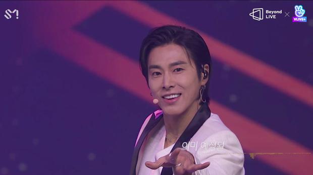 TVXQ! nói Xin chào fan Việt, biểu diễn cực sung tại concert online với loạt sân khấu đã mắt; được hậu bối NCT Dream giao nhiệm vụ đầy ý nghĩa - Ảnh 12.