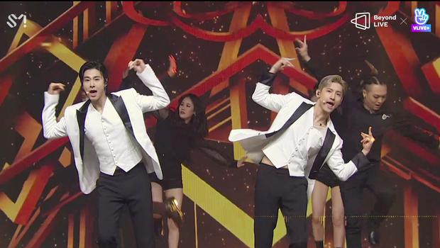 TVXQ! nói Xin chào fan Việt, biểu diễn cực sung tại concert online với loạt sân khấu đã mắt; được hậu bối NCT Dream giao nhiệm vụ đầy ý nghĩa - Ảnh 18.