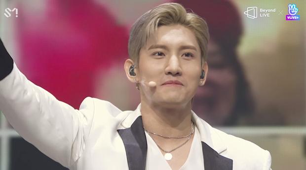 TVXQ! nói Xin chào fan Việt, biểu diễn cực sung tại concert online với loạt sân khấu đã mắt; được hậu bối NCT Dream giao nhiệm vụ đầy ý nghĩa - Ảnh 25.
