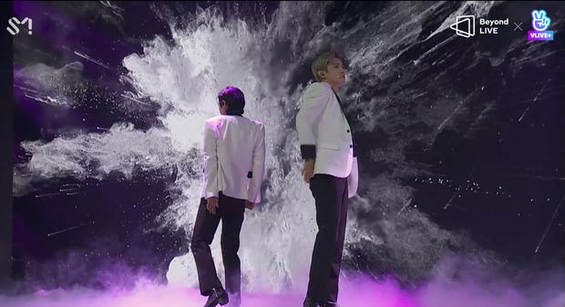 TVXQ! nói Xin chào fan Việt, biểu diễn cực sung tại concert online với loạt sân khấu đã mắt; được hậu bối NCT Dream giao nhiệm vụ đầy ý nghĩa - Ảnh 29.