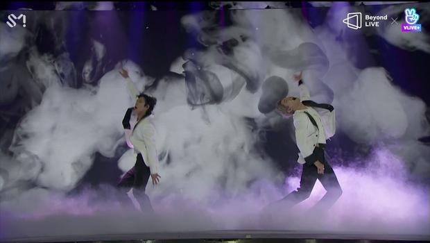 TVXQ! nói Xin chào fan Việt, biểu diễn cực sung tại concert online với loạt sân khấu đã mắt; được hậu bối NCT Dream giao nhiệm vụ đầy ý nghĩa - Ảnh 30.