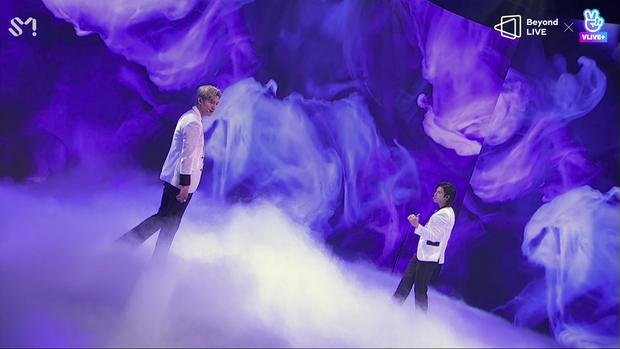 TVXQ! nói Xin chào fan Việt, biểu diễn cực sung tại concert online với loạt sân khấu đã mắt; được hậu bối NCT Dream giao nhiệm vụ đầy ý nghĩa - Ảnh 33.