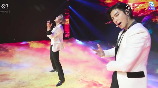 TVXQ! nói Xin chào fan Việt, biểu diễn cực sung tại concert online với loạt sân khấu đã mắt; được hậu bối NCT Dream giao nhiệm vụ đầy ý nghĩa - Ảnh 35.
