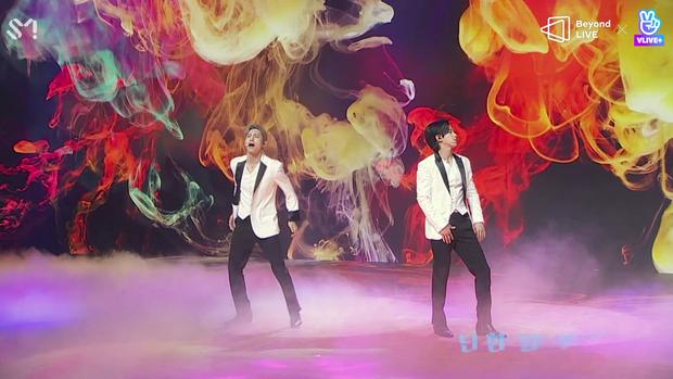 TVXQ! nói Xin chào fan Việt, biểu diễn cực sung tại concert online với loạt sân khấu đã mắt; được hậu bối NCT Dream giao nhiệm vụ đầy ý nghĩa - Ảnh 36.