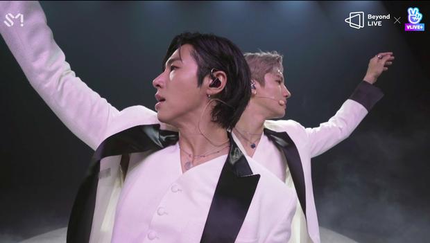 TVXQ! nói Xin chào fan Việt, biểu diễn cực sung tại concert online với loạt sân khấu đã mắt; được hậu bối NCT Dream giao nhiệm vụ đầy ý nghĩa - Ảnh 37.