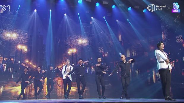 TVXQ! nói Xin chào fan Việt, biểu diễn cực sung tại concert online với loạt sân khấu đã mắt; được hậu bối NCT Dream giao nhiệm vụ đầy ý nghĩa - Ảnh 40.