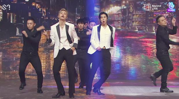 TVXQ! nói Xin chào fan Việt, biểu diễn cực sung tại concert online với loạt sân khấu đã mắt; được hậu bối NCT Dream giao nhiệm vụ đầy ý nghĩa - Ảnh 42.