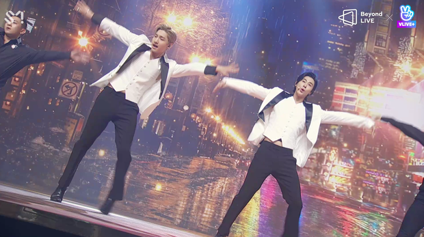 TVXQ! nói Xin chào fan Việt, biểu diễn cực sung tại concert online với loạt sân khấu đã mắt; được hậu bối NCT Dream giao nhiệm vụ đầy ý nghĩa - Ảnh 44.
