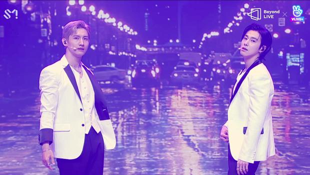 TVXQ! nói Xin chào fan Việt, biểu diễn cực sung tại concert online với loạt sân khấu đã mắt; được hậu bối NCT Dream giao nhiệm vụ đầy ý nghĩa - Ảnh 47.