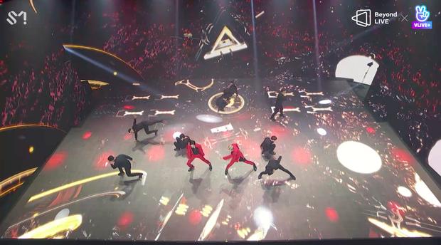 TVXQ! nói Xin chào fan Việt, biểu diễn cực sung tại concert online với loạt sân khấu đã mắt; được hậu bối NCT Dream giao nhiệm vụ đầy ý nghĩa - Ảnh 49.