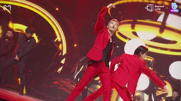 TVXQ! nói Xin chào fan Việt, biểu diễn cực sung tại concert online với loạt sân khấu đã mắt; được hậu bối NCT Dream giao nhiệm vụ đầy ý nghĩa - Ảnh 50.