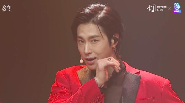 TVXQ! nói Xin chào fan Việt, biểu diễn cực sung tại concert online với loạt sân khấu đã mắt; được hậu bối NCT Dream giao nhiệm vụ đầy ý nghĩa - Ảnh 52.