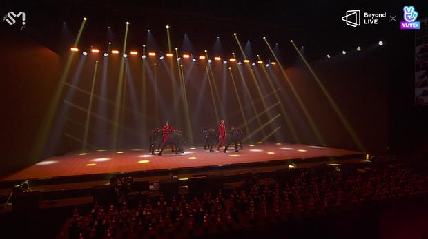 TVXQ! nói Xin chào fan Việt, biểu diễn cực sung tại concert online với loạt sân khấu đã mắt; được hậu bối NCT Dream giao nhiệm vụ đầy ý nghĩa - Ảnh 53.