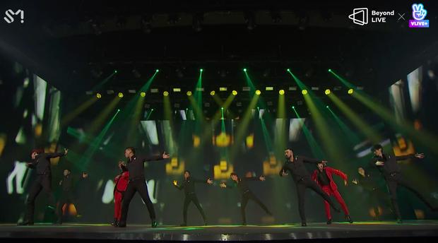 TVXQ! nói Xin chào fan Việt, biểu diễn cực sung tại concert online với loạt sân khấu đã mắt; được hậu bối NCT Dream giao nhiệm vụ đầy ý nghĩa - Ảnh 55.