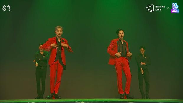 TVXQ! nói Xin chào fan Việt, biểu diễn cực sung tại concert online với loạt sân khấu đã mắt; được hậu bối NCT Dream giao nhiệm vụ đầy ý nghĩa - Ảnh 56.