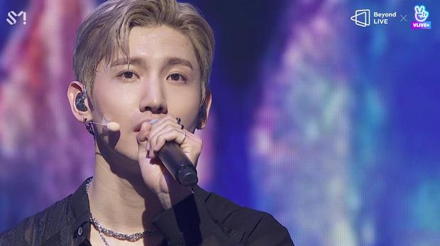 TVXQ! nói Xin chào fan Việt, biểu diễn cực sung tại concert online với loạt sân khấu đã mắt; được hậu bối NCT Dream giao nhiệm vụ đầy ý nghĩa - Ảnh 74.
