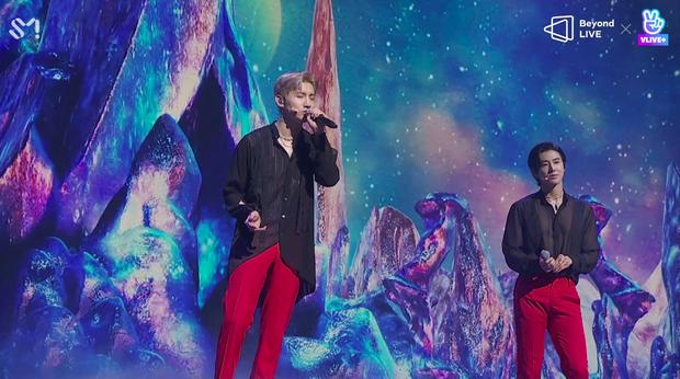 TVXQ! nói Xin chào fan Việt, biểu diễn cực sung tại concert online với loạt sân khấu đã mắt; được hậu bối NCT Dream giao nhiệm vụ đầy ý nghĩa - Ảnh 75.