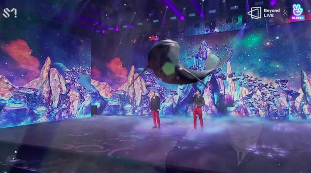 TVXQ! nói Xin chào fan Việt, biểu diễn cực sung tại concert online với loạt sân khấu đã mắt; được hậu bối NCT Dream giao nhiệm vụ đầy ý nghĩa - Ảnh 77.