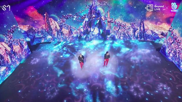 TVXQ! nói Xin chào fan Việt, biểu diễn cực sung tại concert online với loạt sân khấu đã mắt; được hậu bối NCT Dream giao nhiệm vụ đầy ý nghĩa - Ảnh 78.