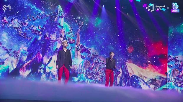 TVXQ! nói Xin chào fan Việt, biểu diễn cực sung tại concert online với loạt sân khấu đã mắt; được hậu bối NCT Dream giao nhiệm vụ đầy ý nghĩa - Ảnh 79.