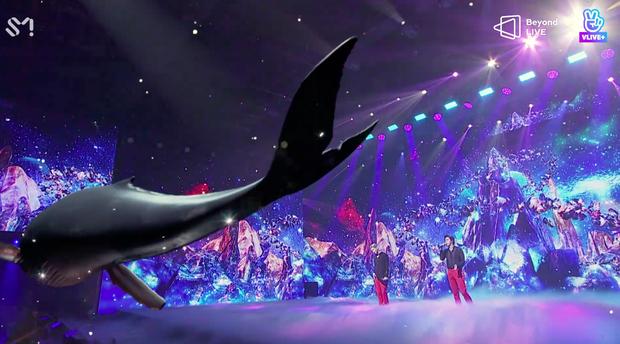 TVXQ! nói Xin chào fan Việt, biểu diễn cực sung tại concert online với loạt sân khấu đã mắt; được hậu bối NCT Dream giao nhiệm vụ đầy ý nghĩa - Ảnh 80.