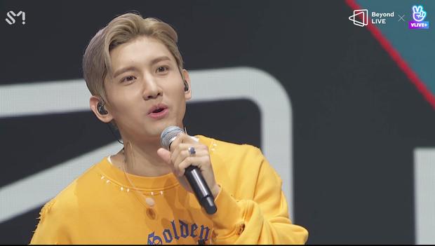 TVXQ! nói Xin chào fan Việt, biểu diễn cực sung tại concert online với loạt sân khấu đã mắt; được hậu bối NCT Dream giao nhiệm vụ đầy ý nghĩa - Ảnh 101.