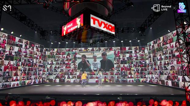 TVXQ! nói Xin chào fan Việt, biểu diễn cực sung tại concert online với loạt sân khấu đã mắt; được hậu bối NCT Dream giao nhiệm vụ đầy ý nghĩa - Ảnh 105.