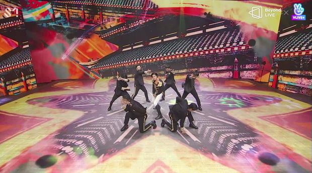 TVXQ! nói Xin chào fan Việt, biểu diễn cực sung tại concert online với loạt sân khấu đã mắt; được hậu bối NCT Dream giao nhiệm vụ đầy ý nghĩa - Ảnh 127.