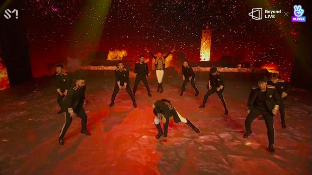 TVXQ! nói Xin chào fan Việt, biểu diễn cực sung tại concert online với loạt sân khấu đã mắt; được hậu bối NCT Dream giao nhiệm vụ đầy ý nghĩa - Ảnh 130.
