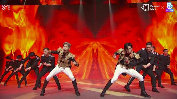 TVXQ! nói Xin chào fan Việt, biểu diễn cực sung tại concert online với loạt sân khấu đã mắt; được hậu bối NCT Dream giao nhiệm vụ đầy ý nghĩa - Ảnh 136.