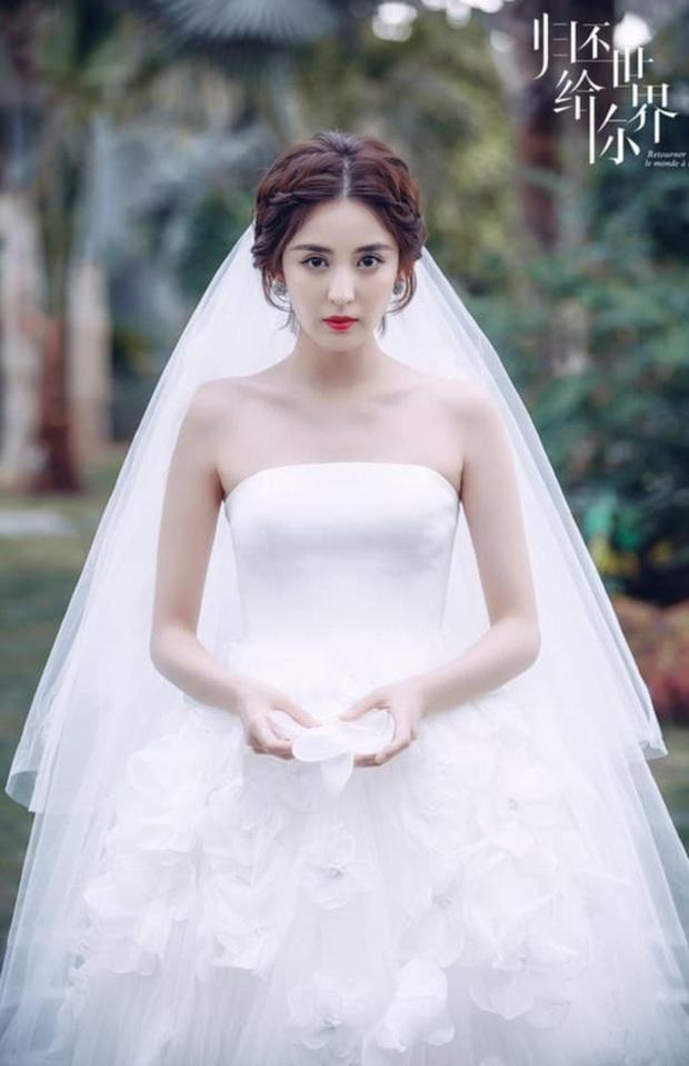 9 cô dâu nhan sắc đỉnh bức người ở màn ảnh Hoa ngữ: Cứ nghĩ thần thái là thế nhưng Địch Lệ Nhiệt Ba vẫn chưa phải đỉnh nhất nha! - Ảnh 5.