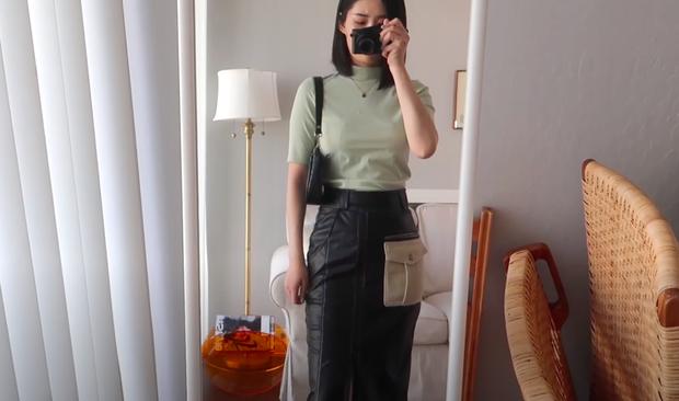 Thử 8 dáng áo phông cơ bản của Uniqlo, cô nàng này còn khuyến mại thêm vài cách mặc chanh sả hay ho - Ảnh 17.