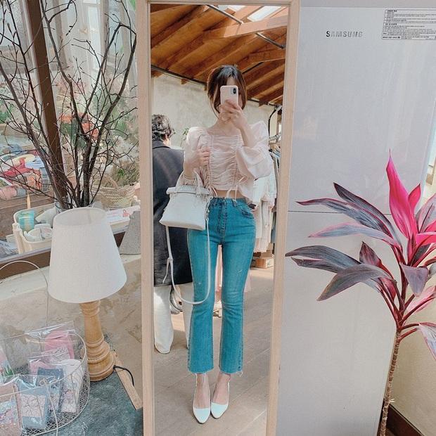 Học Seulgi, HuynA và Jisoo cách diện quần jeans giúp hack dáng hiệu quả, thậm chí là kéo chân dài tới nách - Ảnh 3.