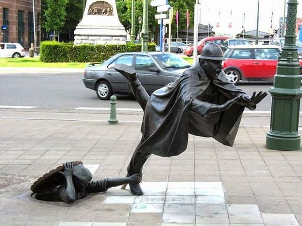 Những bức tượng kỳ dị thách thức tất cả các quy luật vật lý, khiến người ta càng nhìn càng xuýt xoa và sợ hãi - Ảnh 8.