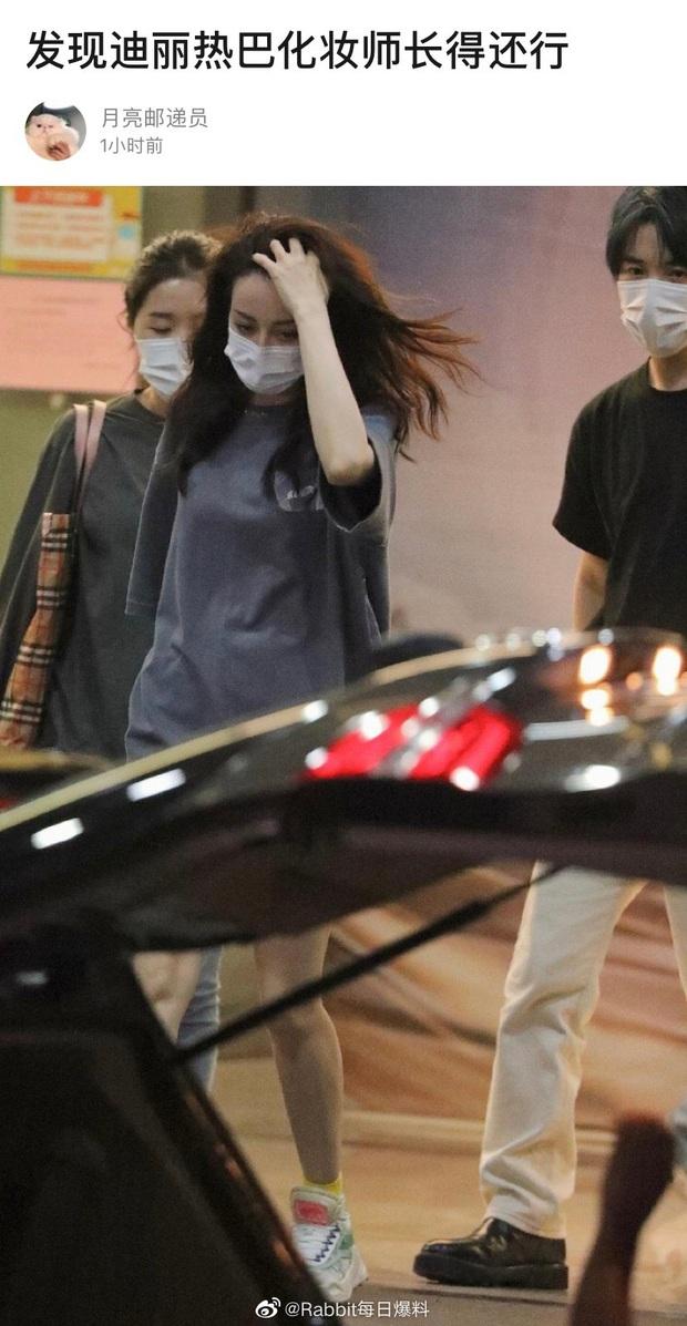 Thợ make up của Địch Lệ Nhiệt Ba gây bão Cbiz: Visual chẳng kém minh tinh, phù phép nhan sắc cho cả Dương Mịch - Trịnh Sảng - Ảnh 2.