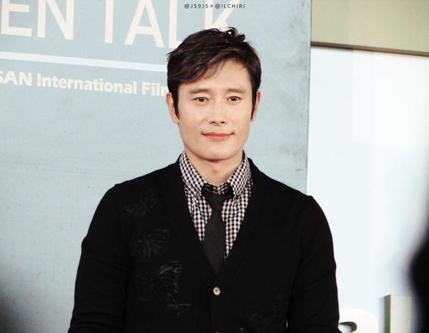 10 sự thật ít ai biết về Quả cầu vàng xứ Hàn Baeksang: Kim Soo Hyun lập kỉ lục nhưng vẫn kém xa đàn anh Lee Byung Hun ở một khoản - Ảnh 8.