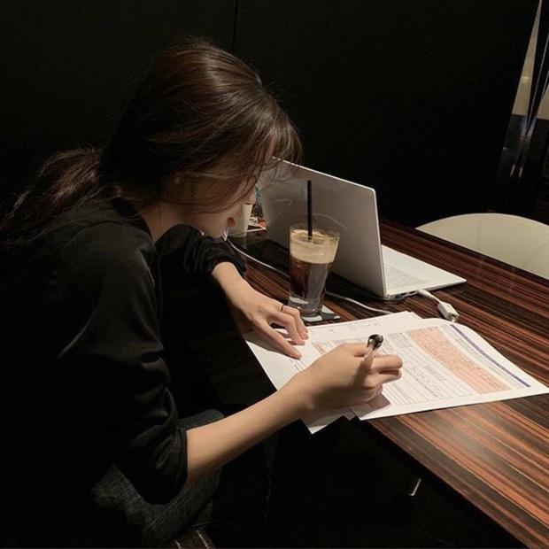Cô gái đăng CV hoành tráng lên mạng bị người lạ chỉ ra lỗi sai chính tả theo cách cute đến mức khổ chủ phải cảm ơn lia lịa - Ảnh 2.