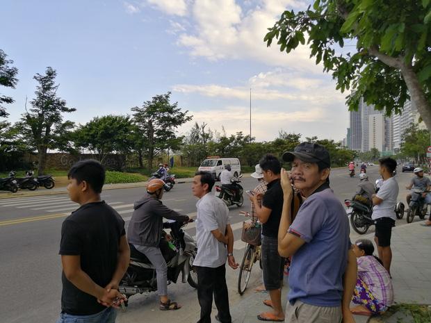 Hoảng hồn phát hiện thi thể người đàn ông cháy đen tại bờ biển Đà Nẵng - Ảnh 4.