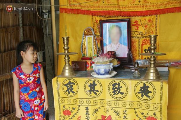 Bố mất được 2 năm thì mẹ qua đời, đứa trẻ 7 tuổi côi cút bên bàn thờ đợi anh chị đi làm thuê kiếm tiền về trả nợ - Ảnh 10.