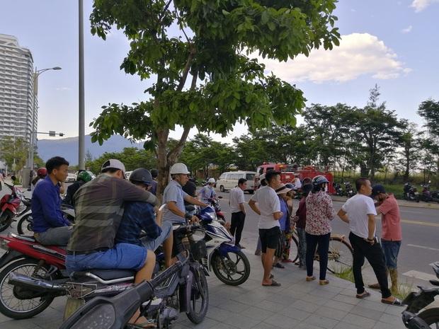 Hoảng hồn phát hiện thi thể người đàn ông cháy đen tại bờ biển Đà Nẵng - Ảnh 3.